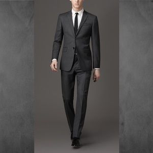 Burberry Dark Grey Mela suit 46R